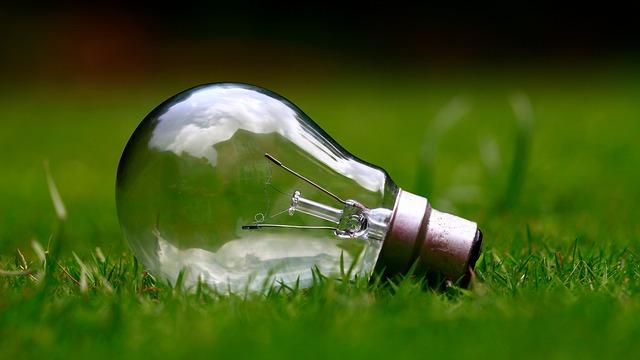 電力自由化元年💡家庭の電気料金を把握する―3~4人家族 電気代 平均